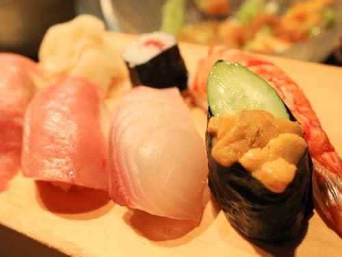 大人デートの前に知っておきたい!高級寿司屋のマナー | ハウコレ
